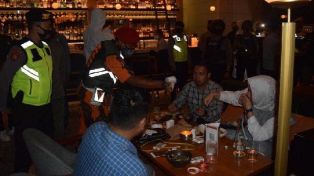 Manajemen Royal KTV Surabaya Diciduk Petugas Gabungan
