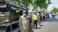 Pengawasan terhadap pengunjung Pasar kembang