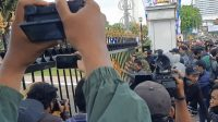 Polisi Diminta Usut Tuntas Ricuh Tolak Omnibus Law Di Surabaya