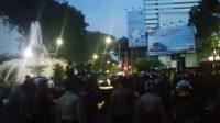 Chaos, Massa di Jalan Pemuda dan Panglima Sudirman Dipukul Mundur, Banyak yang Ditangkap