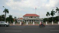 Grahadi Jadi Pusat Puncak Demo Omnibus Law, Intelijen Transport Disiagakan