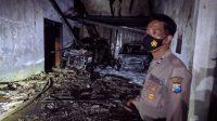 Gudang Kayu Mebel Bekas di Mojokerto Hangus Terbakar