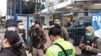Aksi Bonek Galang Donasi Kemanusiaan Dihadang Satpol PP Surabaya
