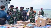 Bantuan Kemanusiaan Untuk Korban Bencana Alam Posko II TNI AL Lantamal V, Berangkatkan KRI Koarmada II