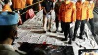 Kabasarnas Serahkan Serpihan Diduga Milik Pesawat Sriwijaya Air SJ 182 ke DVI