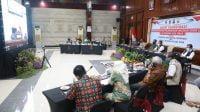 Gubernur Khofifah Yakinkan Masyarakat Vaksin Aman dan Halal