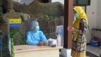 Nakes Di Surabaya Pastikan Vaksin Tak Ada Efek Samping