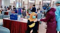 Pemkot Surabaya Targetkan Vaksinasi Nakes Tuntas Hari Ini
