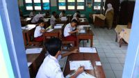 Siswa Surabaya Bakal Diberi Fasilitas Tablet