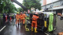 Truk Terguling di MERR Surabaya Sebabkan Macet Hingga 3 Km