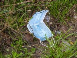 Limbah Masker di Sidoarjo Dipilah di Tempat Pembuangan Sampah