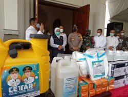 Jumat Agung, Gubernur Beri Bantuan Alat Kesehatan ke Gereja Katedral Surabaya
