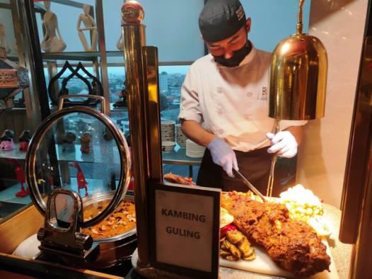 Ragam Menu Kaki Lima di 'Kampung Ramadhan' Four Points Tunjungan Plaza Surabaya