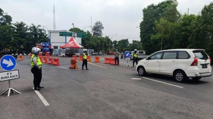 Ingat, Kendaraan dengan Pelat Nomor Selain L dan W Tak Bakal Bisa Masuk Surabaya!