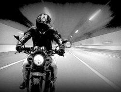 Tips Aman Mengendarai Sepeda Motor Saat Berpuasa