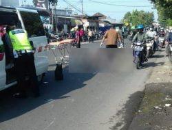 Benturan dengan Beberapa Kendaraan, Pengendara Motor Meninggal di Jalur Ponokawan Krian
