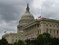 Serangan di Gedung Kongres AS: 1 Polisi Gedung Capitol Meninggal, 1 Luka