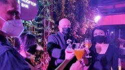 Inilah Serunya 'Party' di Ketinggian Lantai 22 Hotel Bintang 5 di Pusat Kota Surabaya