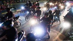 Pemudik Sepeda Motor Padati Jalur Pantai Utara Jawa