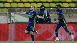 Meski Hanya 10 Pemain, Lyon Menangi Drama Lima Gol atas Monaco