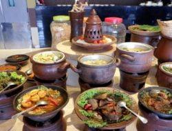 Crown Prince Hotel Suguhkan Lontong Ketupat Sayur dan Rendang Daging bagi Tamu Saat Rayakan IdulFitri