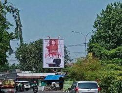 Baliho Ketua DPR RI Puan Maharani terpasang di beberapa titik strategis di Surabaya