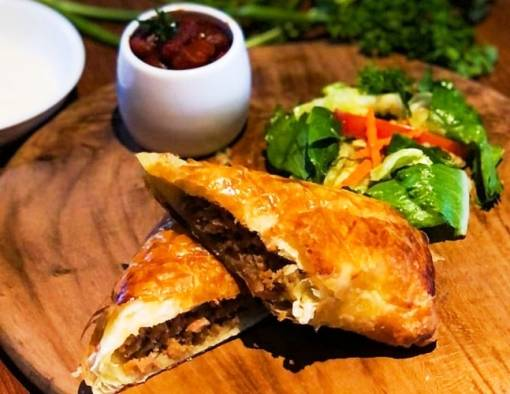 Mau PPKM yang Nikmat? Chef Hotel Bintang 5 Ini Hadirkan Sensasi Lezat Masakan Khas Eropa Hingga Asia