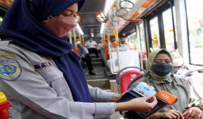 Naik Suroboyo Bus Kini Makin Mudah, Bisa Bayar Pakai e-Money